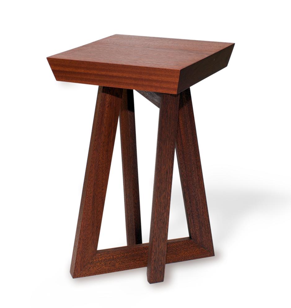 Bijzettafeltje naar design van Binkmeubel, meubelmaker uit Rotterdam